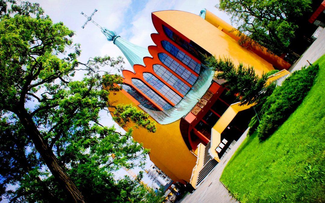 Duch Święty zstępujący na nadodrzański Wrocław – wrocławskie obiekty sakralne poświęcone Trzeciej Osobie Boskiej